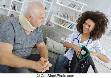 visite, patient, personnes agées, docteur