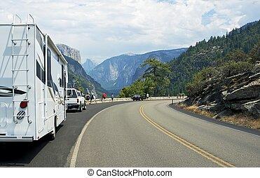 Visiting Yosemite Valley by RV. Yosemite National Park South...