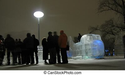 Visitors of Ice Sculpture Festival Vyugovey-2011 - MOSCOW -...