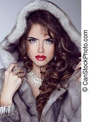 vison, luxe, girl, poser, mode, sexy, modèle, winter., lèvres, coat., fourrure, vêtements rouges