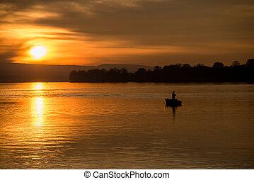 visserij, op een boot, op, ondergaande zon