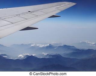 vista aérea, de, alcance montanha