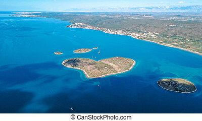 vista aérea, de, bonito, heart-shaped, ilha, de, galesnjak, também, chamado, ilha, de, amor, em, pasman, canal, croácia