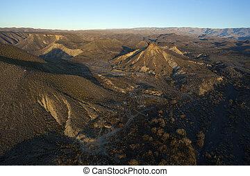 vista aérea, de, deserto, montanhas