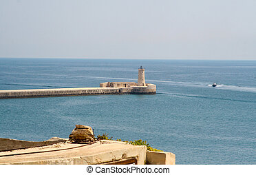 vista, de, faro, en, magnífico, puerto, valletta, malta