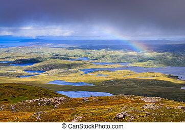 vista escénica, de, hermoso, lagos, nubes, y, arco irirs,...