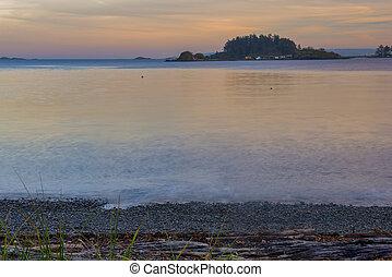 vista oceánica, de, cuello, punto, parque, en, nanaimo, en, ocaso, isla de vancouver