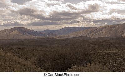 Vista of foothills of Cascade Mountains, sagebrush in ...