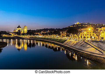 vista panorámica, de, verona, en, adige, river., veneto, region., italia