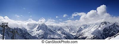 vista panoramic, de, refúgio esqui, dombay, em, agradável, sol, dia