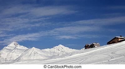 vista panoramic, ligado, declive esqui, e, hotéis, em, inverno, montanhas