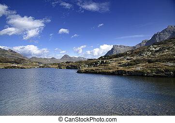 vista panoramica, sopra, montagna, e, uno, lago
