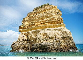 vista scenica, di, uno, linea costiera, paesaggio, in, lagos, algarve, portogallo