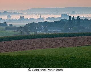 vista, sobre, nebuloso, agrícola, paisagem, em, a, começo...