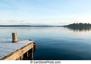 vista, sobre, um, pacata, lago