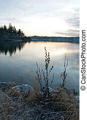 vista, sopra, calma, lago, in, tramonto