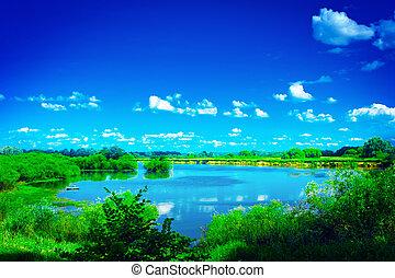 vista, su, bello, lago blu, con, verde, bordi, e, cielo, instag