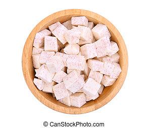 vista superior, cubo, de, raiz taro, em, tigela madeira, isolado, branco, fundo