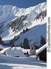 vit, snöig, alperna, hos, alpin by, in, vinter