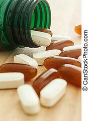 vitamin, spilla, ute, av, a, flaska