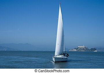 vitorlás hajó, képben látható, öböl