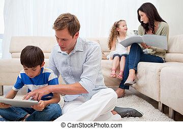 vivant, épargner, dépenser, temps, salle famille