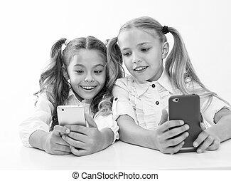 vivant, nous, âge, numérique, -, appareils, education., childgren, ligne, smartphones., education, enfants, faces., heureux