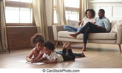 vivant, salle gosses, famille, activités, loisir, africaine, heureux