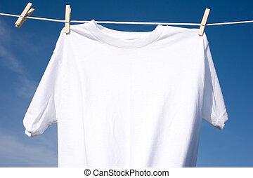 vlakte, witte t-shirt, op, een, clothesline