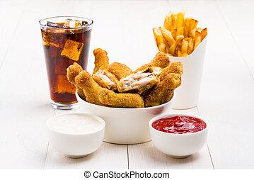 vleugels, cokes, patat, tafel, chicken, sausen