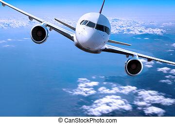 vliegtuig, boven de bewolking