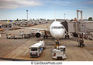 vliegtuig, het bereiden, om te, de, vlucht