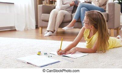vloer, aantekenboekje, student, thuis, meisje, het liggen