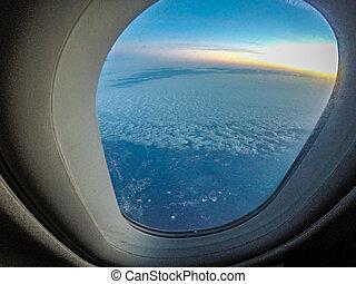 vlucht, het kijken, venster, gedurende, vliegtuig, uit