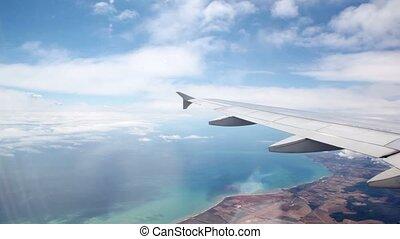 vlucht, onder, gedurende, vliegtuig vleugel, grond