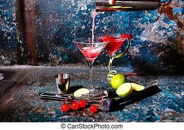 vodka, csapos, koktél, alkoholista, -, lé, előkészítő, áfonya, kozmopolita