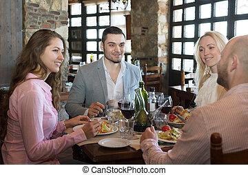 voedingsmiddelen, taverne, het genieten van, jongeren