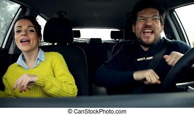 voiture, couple, heureux, conduite, danse