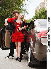 voiture, couple, jeune, nouveau