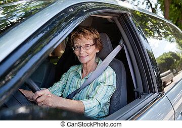 voiture, femme aînée, conduite