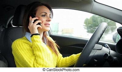 voiture, femme fâchée, téléphone