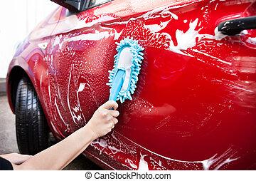 voiture, sur, brosse, tenant main