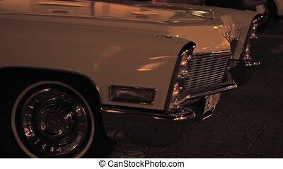 voiture, vieux, garé, nuit