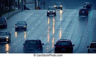 voitures, conduite, sur, mouillé, route, dans, pluie