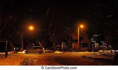 voitures, dépassement, nuit, chute neige, maisons