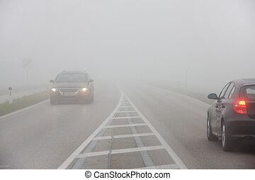 voitures, dans, les, brouillard, sur, a, route