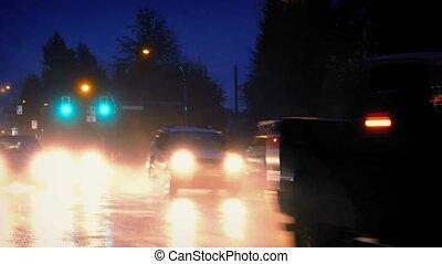 voitures, dans, les, soir dans, forte pluie