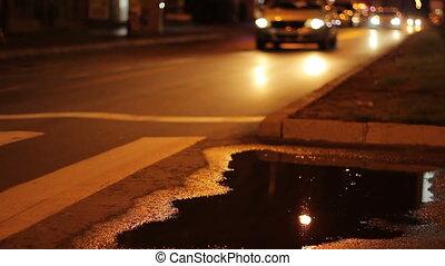 voitures, pluvieux, boulevard, nuit