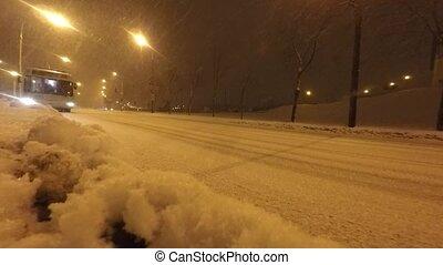 voitures, route, hiver, tempête neige, pendant