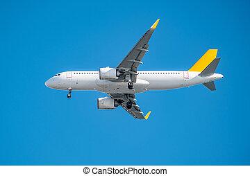 volare, aeroplano commerciale